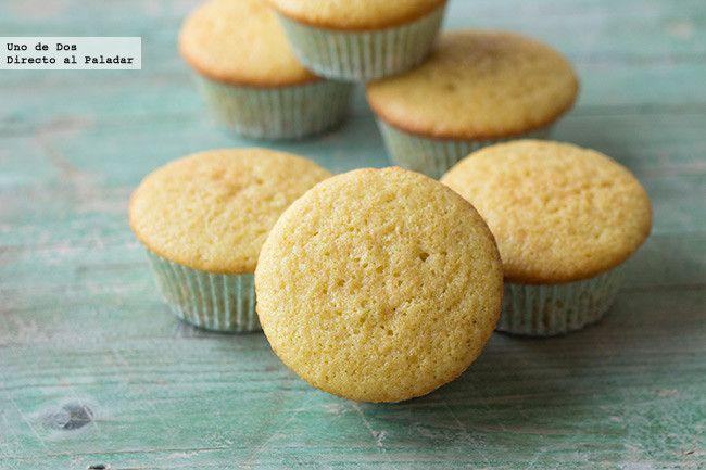 Receta básica de cupcakes de vainilla para decorar.Receta con fotos del paso a paso y presentación.Trucos y consejos de elaboración.Recetas de p...