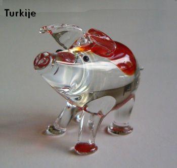 Glazen varkentje TE KOOP voor 6,95 euro - http://fmlkunst.home.xs4all.nl/glazenvarkens2/glas2.htm