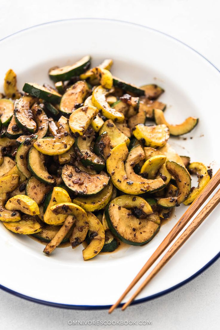 Three ingredients, 5 minutes prep time, and 5 minutes cooking time. {paleo, vegan, GF}