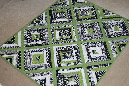 black and white string quiltBlack Green, Black White Green Front Quilt, Quilt Ideas, Black And White, White String, Google Search, White Quilts, String Quilts, Baby Quilt