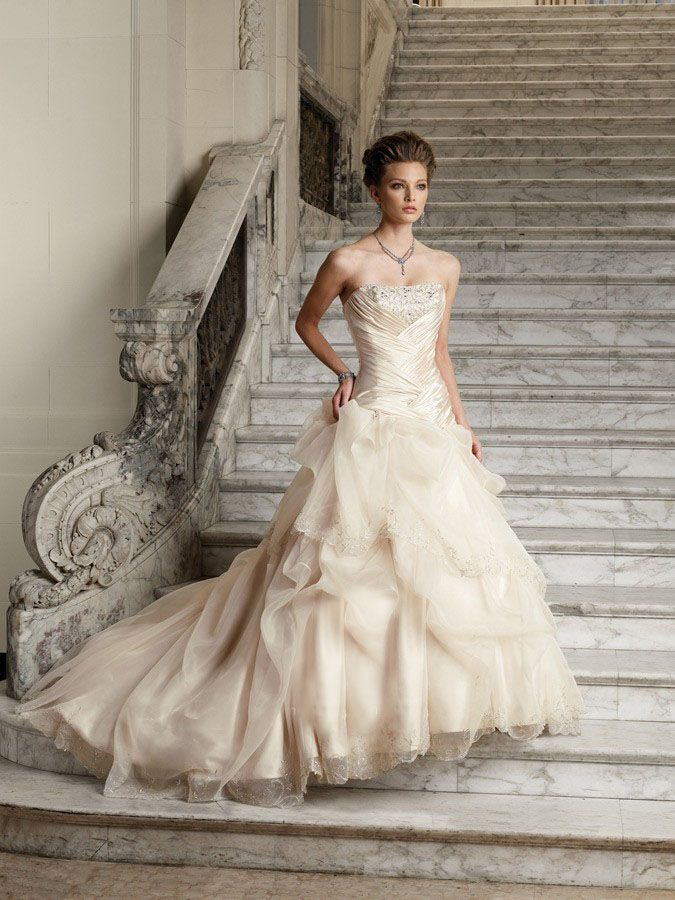 2013 perfect charming flat ruffle beads working tiered for Best place to buy used wedding dresses