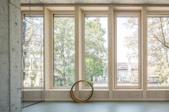 giacomettis nachbar - kinderhort in zürich   holzverschalung, Schlafzimmer design