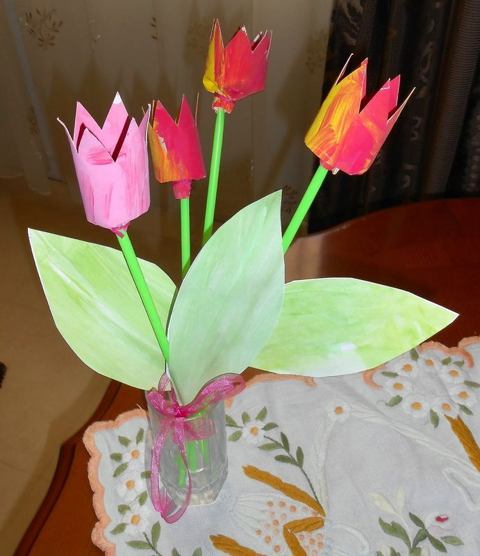 Tulipes en rouleaux de papier toilettes d co pinterest - Creation rouleau papier toilette ...