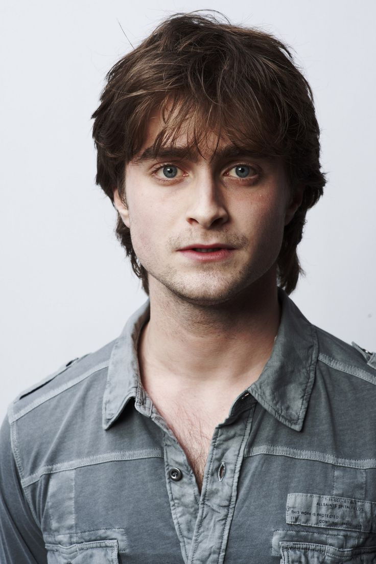 Daniel Radcliffe Looks Like a Lot of Stern Women in ...