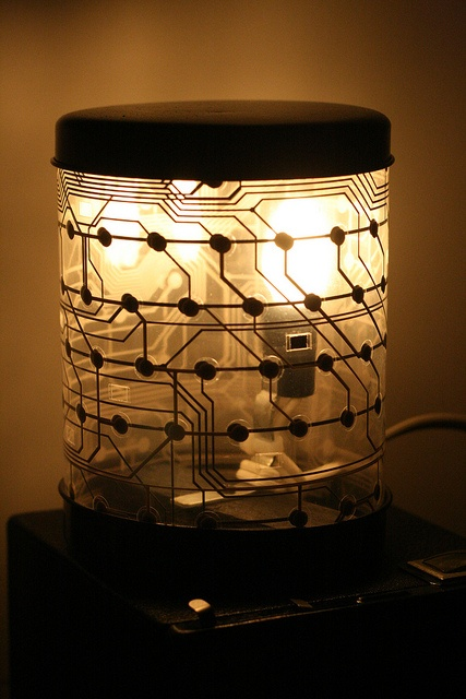 Keyboard Lamp by stncilr, via Flickr KEYBOARD?? I NEED TO LOOK INTO THIS!! LOVE CIRCUIT BOARD STUFF.