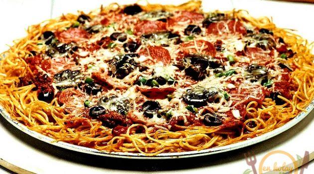 Makarna Pizzası Tarifi