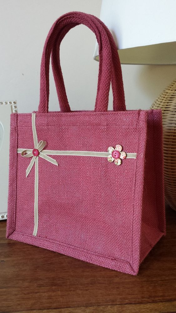 Handmade Pink Jute Lunch / Gift bag, padded handles. Ribbon Bow & button flower.