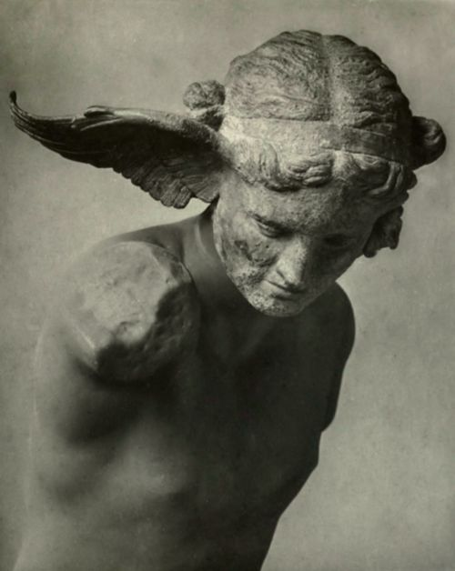 cigarroycafe: Hypnos, greek god of sleep and twin brother of Thanatos.