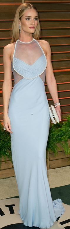 Rosie Huntington-Whiteley: Dress – Cushnie Et Ochs  Shoes – Christian Louboutin  Purse – Aldo  Jewelry – Chanel