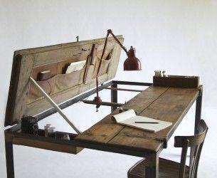 Fai da te: un tavolo costruito con vecchie porte, nasconde tasche segrete | Fare casa