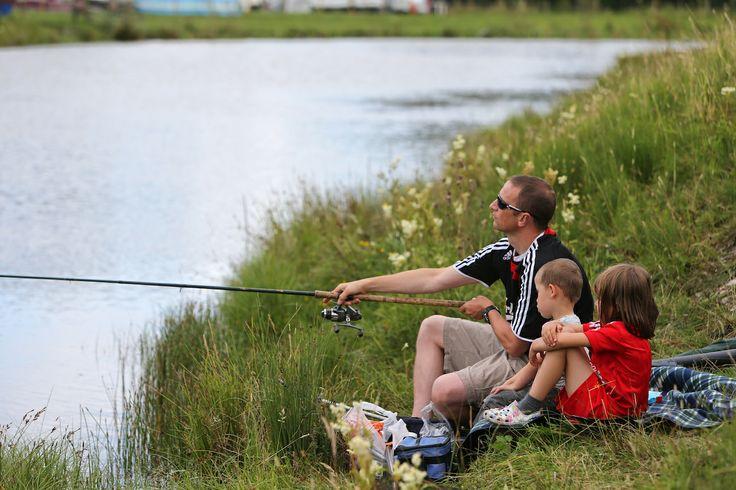 Family fishing at http://www.billingaquadrome.com