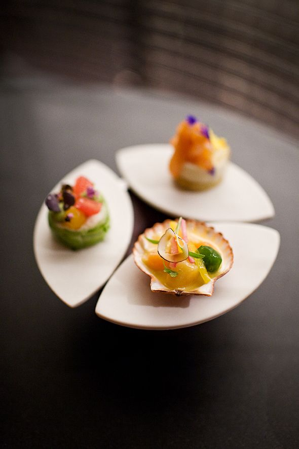 Amuse-bouches. #gastronomie #bouchees #mini #aperitif #food #porcelaine #blanc #white #apetizers