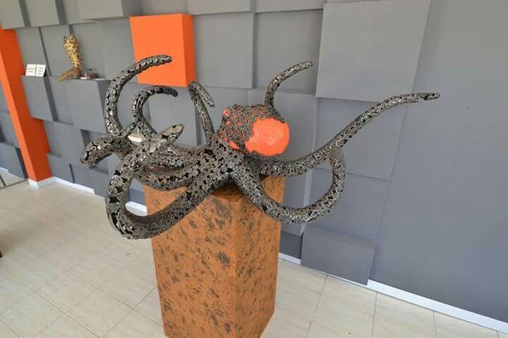 Metal octopus