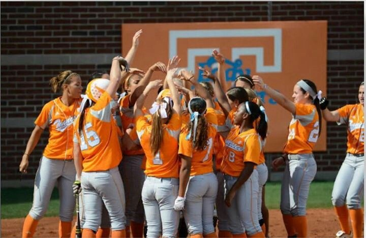 Congratulations UT Lady Vols Softball Team-heading to the Women's College World Series!