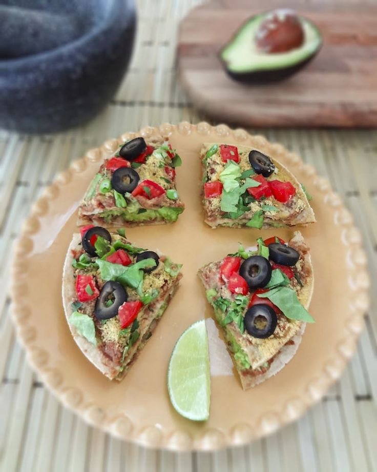 Mini Mexican Pizzas - I'll be making this next week when the in-laws are in town...mmm! mmm!
