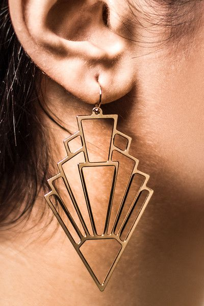 #Gold Get To The Point #Earrings...These chandelier earrings in a bold geometric design are your one and done accessory. These earrings get straight to the point.