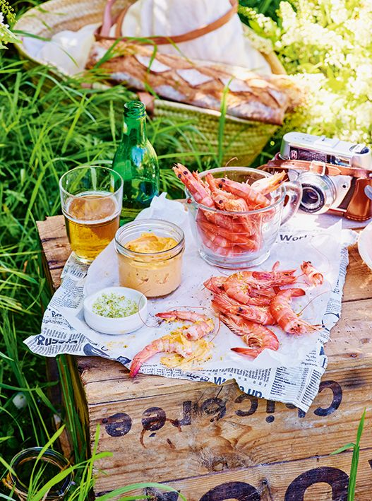 Refresca tu paladar preparando estos deliciosos camarones con alioli de chipotle, y disfruta de una maravillosa tarde de pícnic al lado de tu familia.