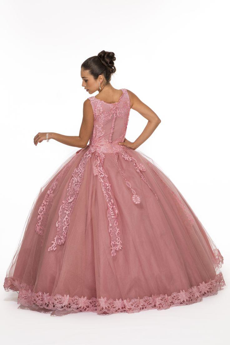 Y el sueño comienza con el vestido perfecto. Encuéntralo en Bella Quince te estamos esperando ..