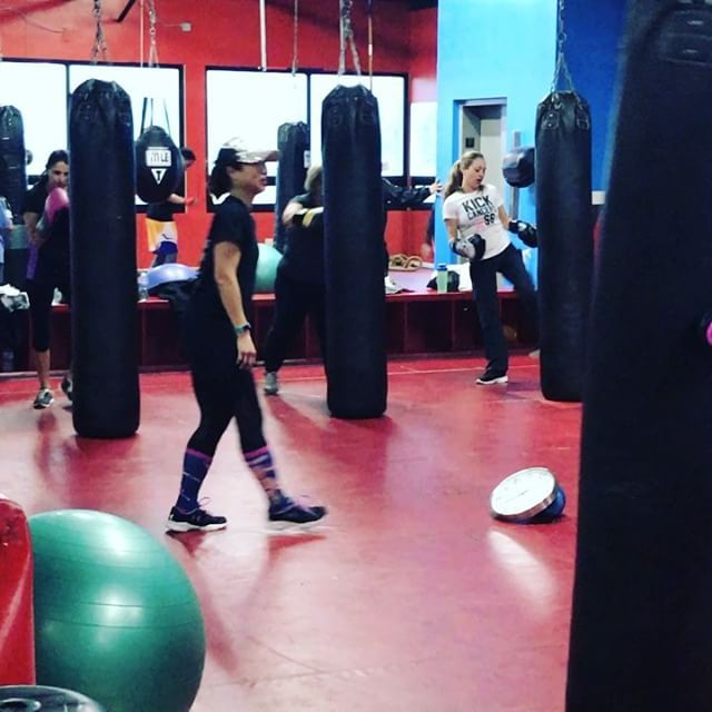 Shout out to Kira O'Leary for an awesome #BoxFit class last night! #Boxing #BoxingTraining #Boxer iLiveFit FIGHT2BFIT LIVEFIT! JOINTHEFITREVOLUTION!