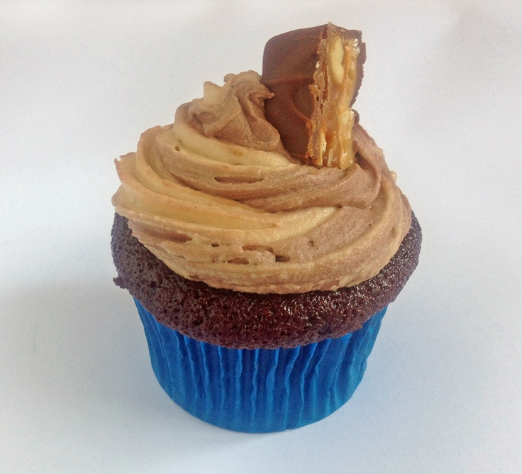 Snickers Cupcakes with Two-Tone Icing!