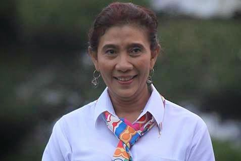 Sejak ditetapkan menjadi Menteri Kelautan dan Perikanan, Susi Pudjiastuti, banyak menerima kritik. Namun, semua itu mendorong wanita kelahiran Pangandaran 15 Januari 1965 ini ingin menjawabnya dengan kerja.