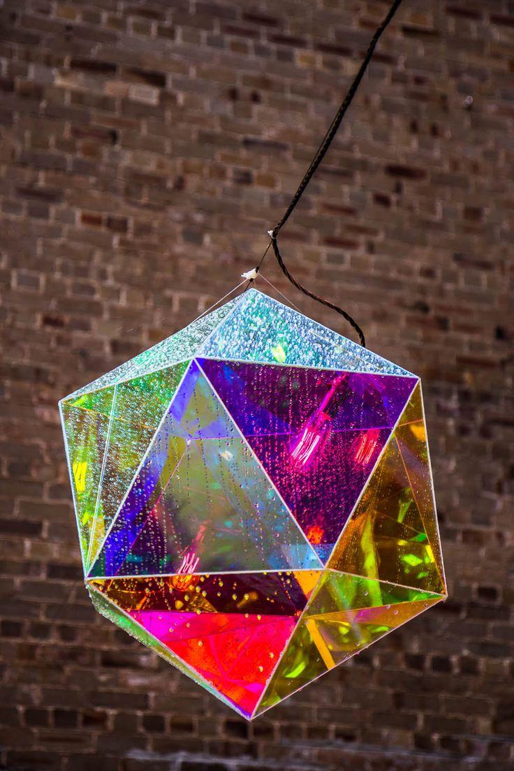 Mirobolante - Light sculpture  Icosahedron by Vincent Buret