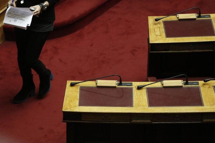 Το ΤΕΕ προειδοποιεί με διαγραφές τους βουλευτές - μέλη του που θα ψηφίσουν το ασφαλιστικό