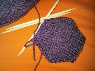 beekeeper's quilt - knitting hexi-puffs - pattern
