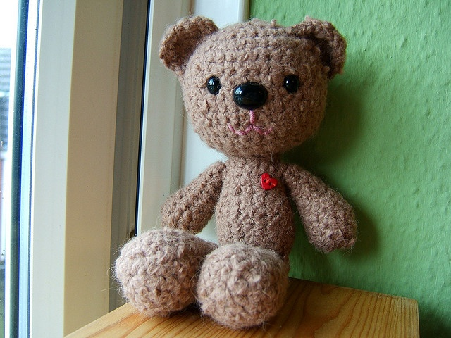 Free Knitting Pattern For Mr Bean s Teddy Bear : 17 Best images about Knitted & crochet teddy bears on Pinterest Bear pa...