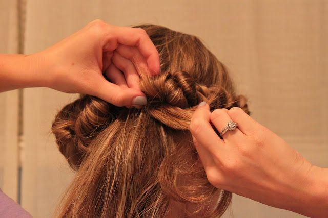 Wavy hair using a headband