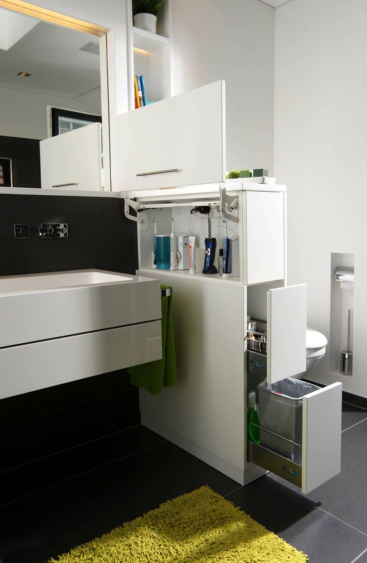 Room divider as a space saver: modern bathrooms by raumwerk-tischlerei gmbh   – Bad