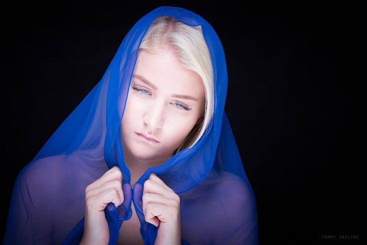 Young woman in dispair