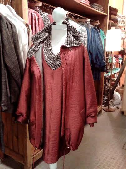 Anna Povo A/W 14 metalic red jacket