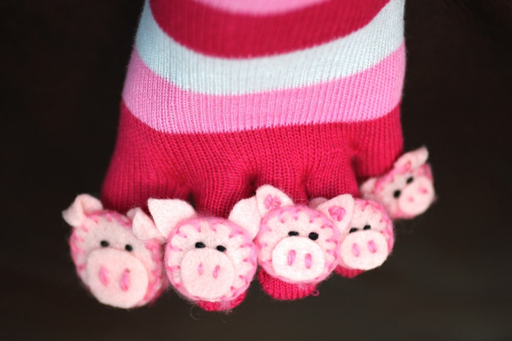 Repeat Crafter Me: This Little Piggy Toe Socks
