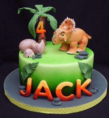 Hay gran cantidad de sabores en los pasteles de dinosaurios para niños, en especial el chocolate, que es de los principales sabores que apasionan a los infantes