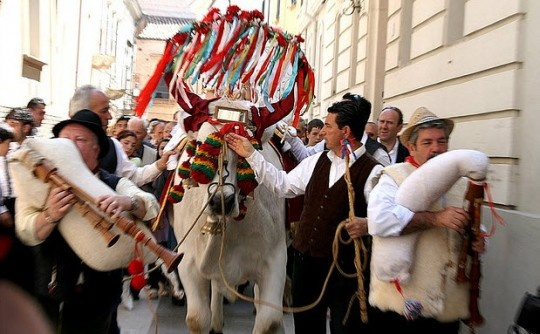 Along with the Christmas markets and feasts that go along with the holidays throughout Italy, the Abruzzo and Molise regions are home to an older tradition. Nine days before Christmas, the bagpipe-playing zampognari come down from the hills into the towns (dressed in period costumes), symbolizing the shepherds who visited Jesus upon his birth. Photo credit: Vincepal via Flickr.