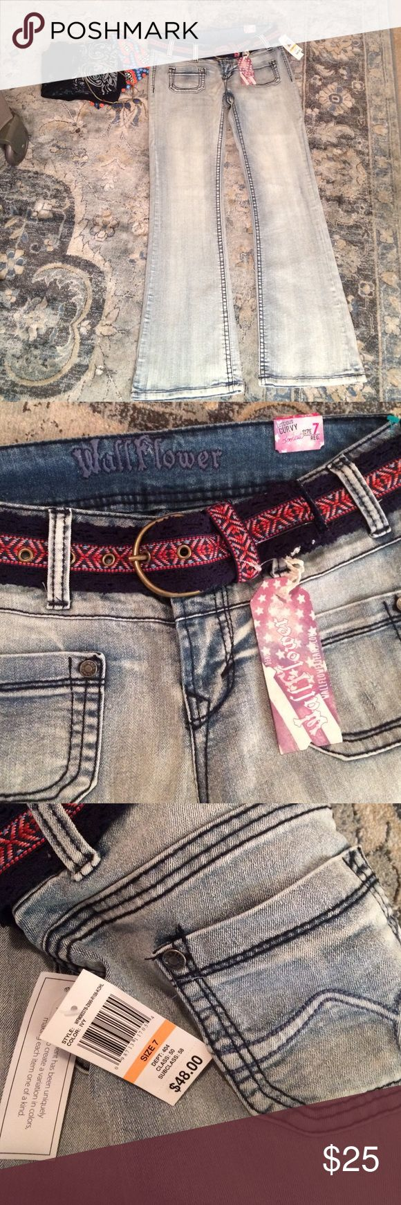 Wallflower Jeans NEW Sz 7 Nwts boot cut Sz 7 inseam 31, Per tag: Luscious Bootcut- Color Ivy - 18 inch boot cut leg opening- contour waistband hugs your curves - comes with boho hippie chic belt🌻 Wrong size so VERY open to offers. Wallflower Jeans Boot Cut