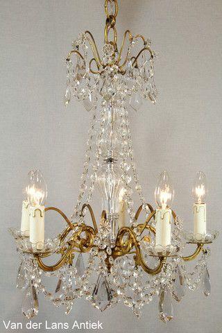 Antieke Franse kroonluchter 25040 bij Van der Lans Antiek. Bekijk al onze exclusieve lampen op www.lansantiek.com