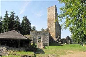 wandeling start op het Horni Namesti (stadsplein) en voert u langs de belangrijkste bezienswaardigehden zoals het museum Dr. Aleše Hrdlicky (een wereldbereomde antropoloog), de gotische St. Nikolaaskerk en het prachtige art nouveau stadhuis.    Vanuit Humpolec kunt u ook een wandeling maken naar de ruïne van kasteel Orlík. De ruïne bevindt zich ca. 3 km. ten noordwesten