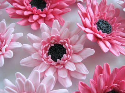 FREE TUTORIAL: polymer clay or gumpaste flowers. Mansikkamäki: Gerbera