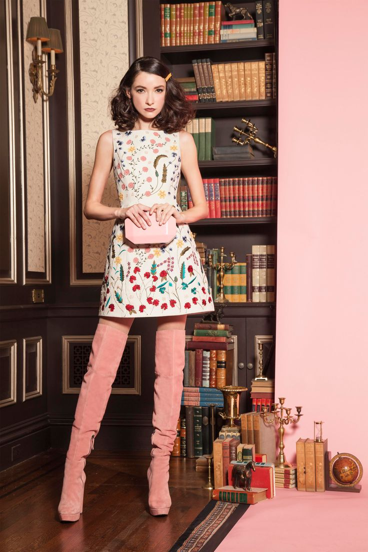Alice   Olivia Pre-Fall 2016 Fashion Show  http://www.vogue.com/fashion-shows/pre-fall-2016/alice-olivia/slideshow/collection#20