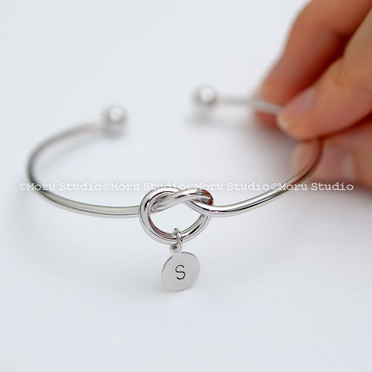 Love Knot Bangle Bracelet with Initial Disc/ Personalized Heart Knot, Bridesmaid Gift, BFF Bracelet, Stacking Bangle, Mom Daughter, BCR082 by MoruStudio on Etsy