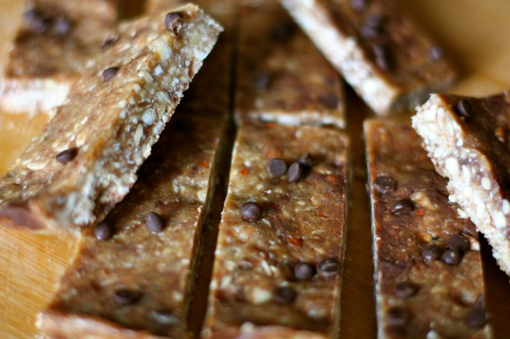 Dark Chocolate Peanut Butter Granola Bars - to try with almond or SunButter