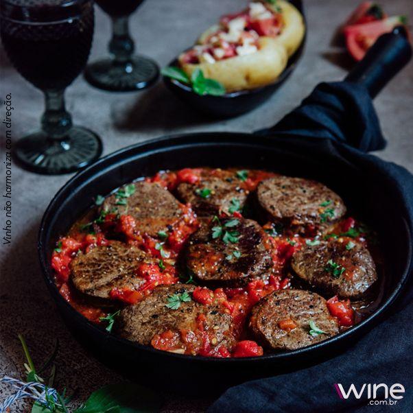 Esta receita especial de Tornedor de filé-mignon está deliciosa e na nossa revista de novembro. #wine #vinho #carne #receita #gastronomia #culinaria