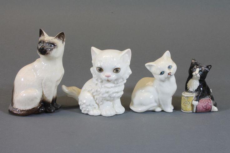 Королевский Долтон фигура сидящего черного котенка, сделать. белый котенок, сиамский кот и фигура Гебель белого сидящего кота £ 20-30 -  в нашем старинном аукциона состоится 10 июля 2013