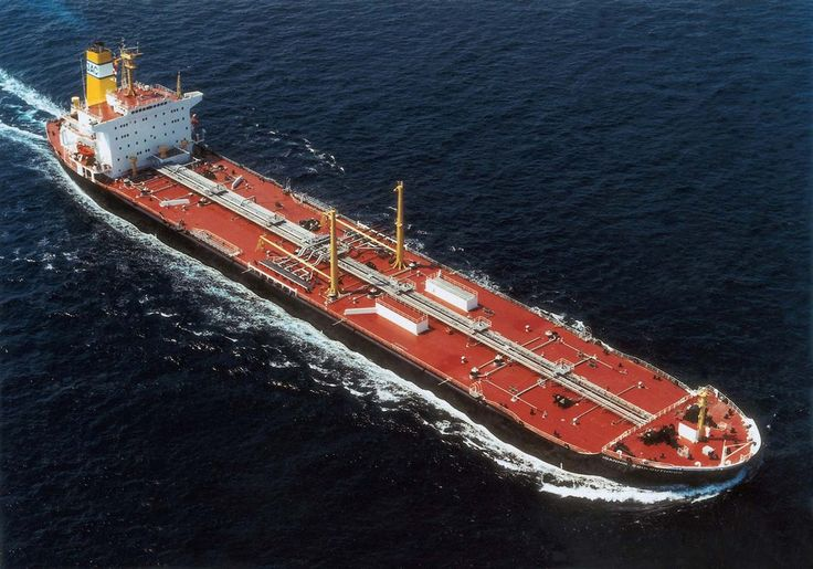 The tanker IOANNIS COULOUTHROS, built in 1982 by Mitsui Engineering & Shipbuilding in Japan, for a company under the management of Laurel Sea Transport Ltd.   Το δεξαμενόπλοιο IOANNIS COULOUTHROS, κατασκευάστηκε το 1982 στα ναυπηγεία Mitsui Engineering & Shipbuilding της Ιαπωνίας για λογαριασμό εταιρείας υπό τη διαχείριση της Laurel Sea Transport