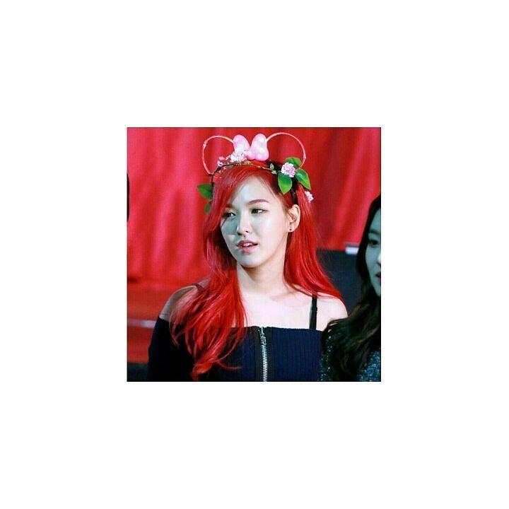 #wendy#red_velvet #red #hair#cute#셀스타그램 #hairstyle#newlook  #이벤트 #안경 #일루일  #selfie #instasize #instagram #look #korea #fashion#like4like #like4follow #follow4follow by mixx5565