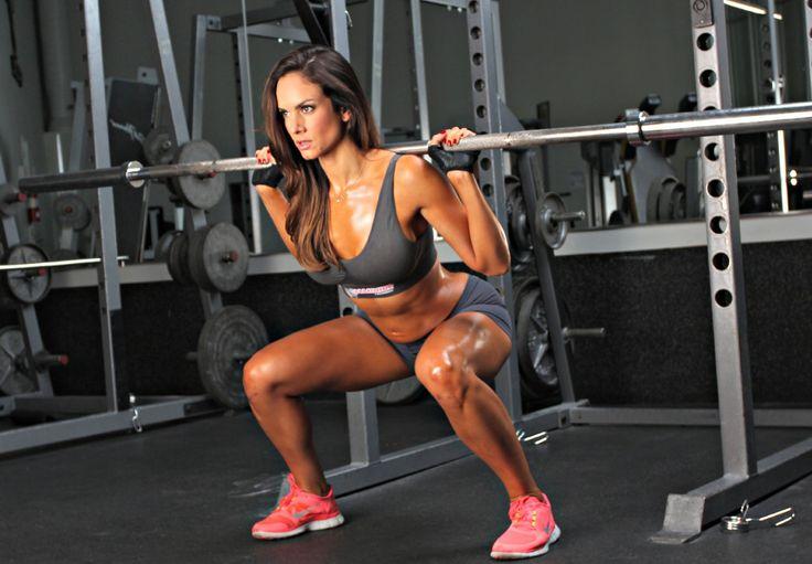 Les fessiers, c'est l'un des muscles que l'on aime le plus travailler quand on est une femme. Quelle satisfaction de voir ses petites fesses s'arrondir et changer de forme peu à peu ! Pourtant, je…