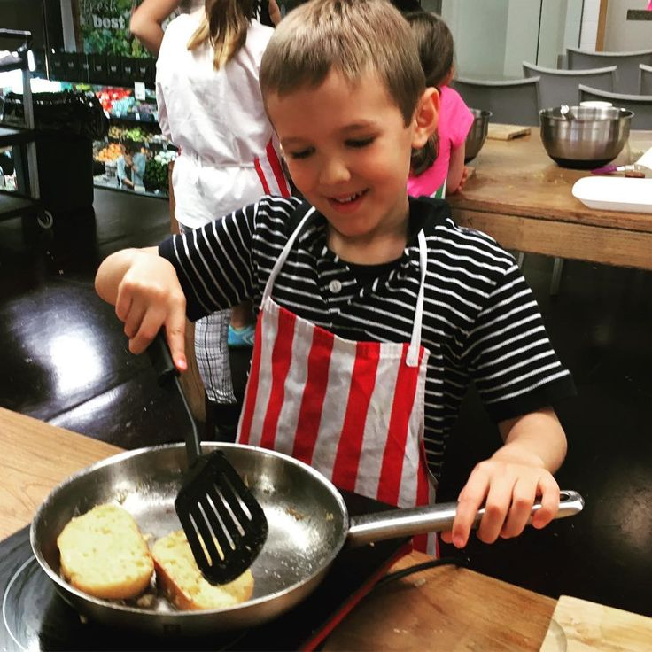 French Toast and happiness at being empowered to do it alone #kidscancook #frenchfood #dessert
