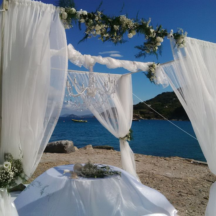 Matrimonio sul molo di Sant'Andrea Marciana firmato Wedding In Elba  #wedding #civilceremony #beach #sea #sun #elbawithlove #dream #luxuryevents #nozzeinrivaalmare #weddingsonthebeach #rossellacelebriniweddingplanner #rossellacelebrinieventstylist #elba #island #tuscany www.weddinginelba.it